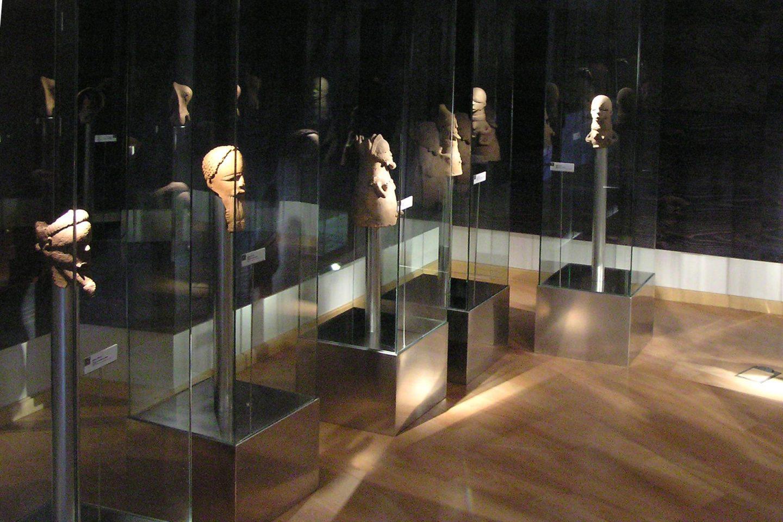 exposición esculturas terracotas Nok Niger colaboración Palacio Santa Cruz Valladolid Henka Arquitectos