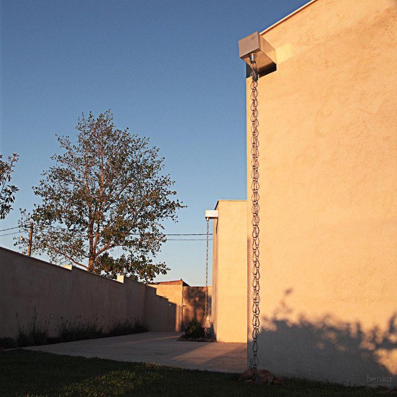Desagüe cubiertas inclinadas Casa frente palomar Villalazán Zamora Henka Arquitectos