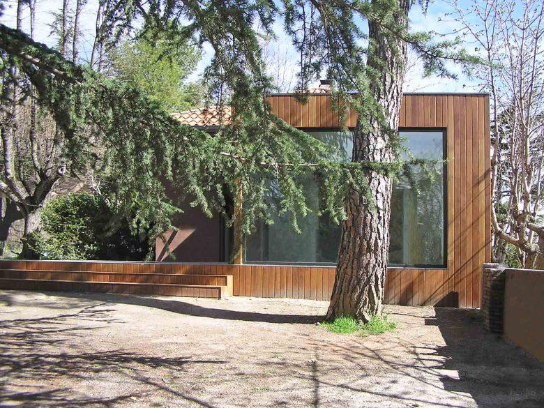 Ampliación madera jardin sequoias Casa de Guardia San Lorenzo del Escorial Henka Arquitectos