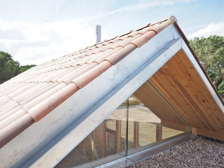 remates cubierta paneles madera laminada CLT Egoin acero galvanizado Casa Pinar Antequera Valladolid Henka Arquitectos