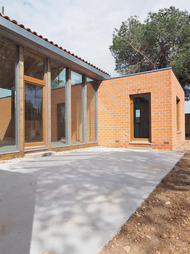 Fachada estructura paneles madera laminada CLT Egoin Casa Pinar Antequera Valladolid Henka Arquitectos