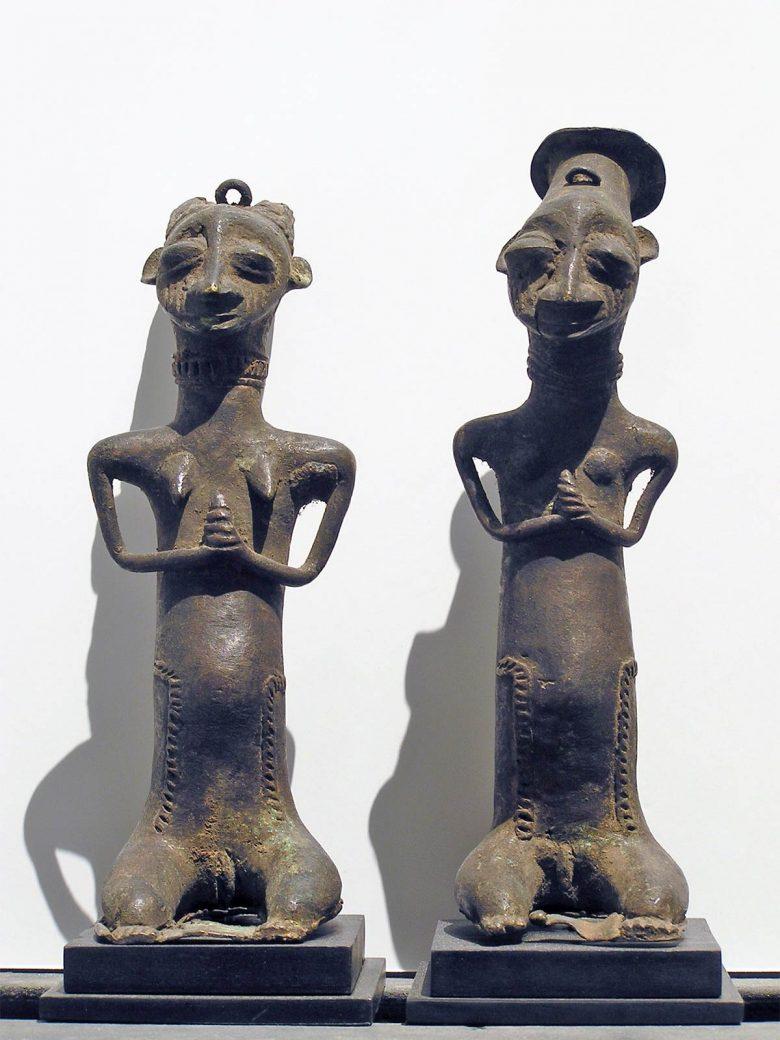 esculturas bronce fundido exposición arte africano colaboración Palacio Santa Cruz Valladolid Henka Arquitectos