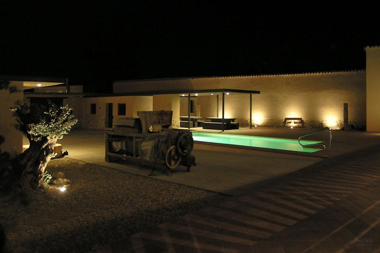 iluminación noche 2700K Reforma Ampliación Caserio castellano Mucientes Valladolid Henka Arquitectos