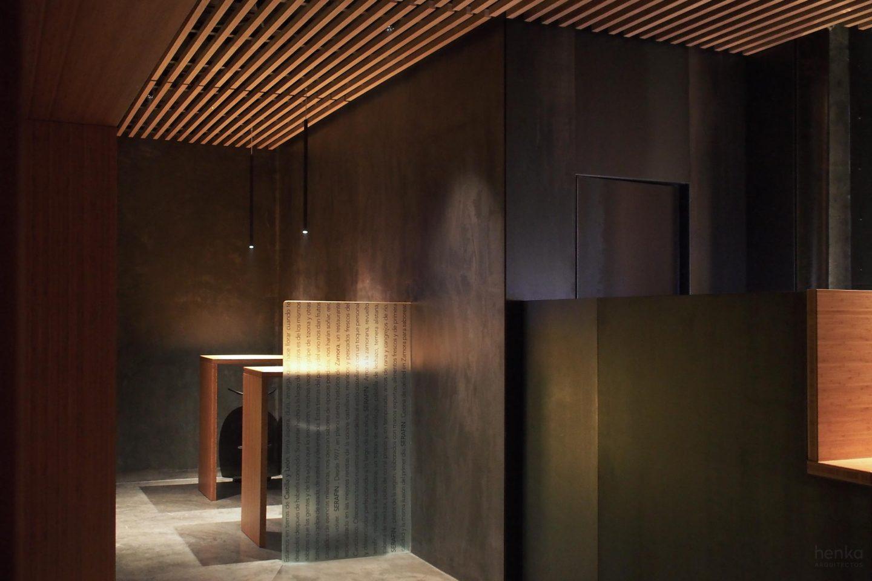 madera bambu microcemento reservado cafetería restaurante Serafin Zamora Henka Arquitectos
