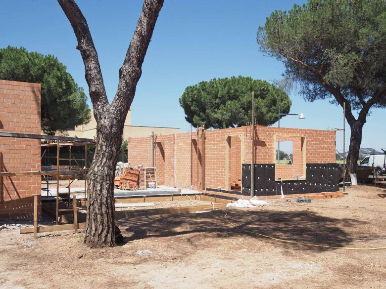 obra muros portantes ladrillo Casa Pinar Antequera Valladolid Henka Arquitectos