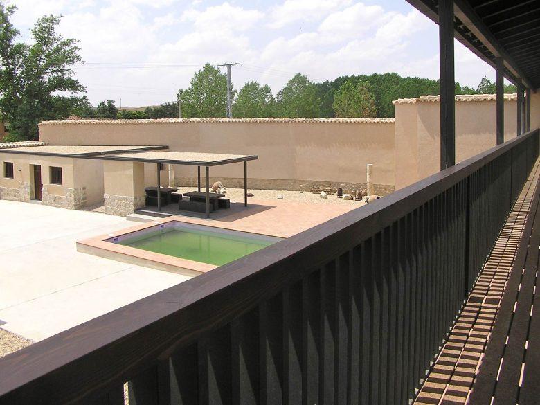 Galería Reforma Ampliación caserio castellano Mucientes Valladolid Henka Arquitectos