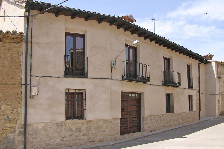 Renovación Fachada calle Caserio Castellano Mucientes Valladolid Henka Arquitectos
