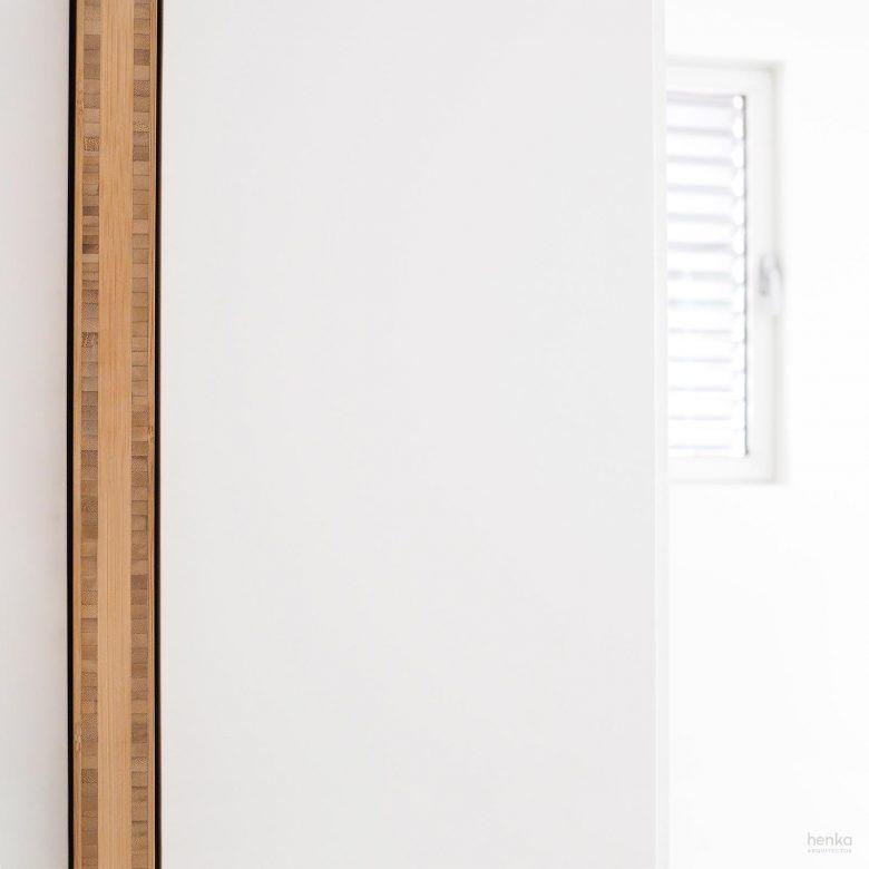 puerta corredera integrada entre armarios Reforma Cabildo Valladolid Henka Arquitectos