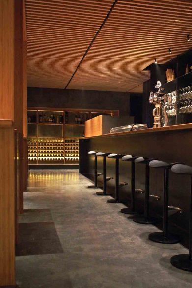 reforma madera maciza Laser Blade iGuzzini Flos Restaurante Serafin Zamora Henka Arquitectos