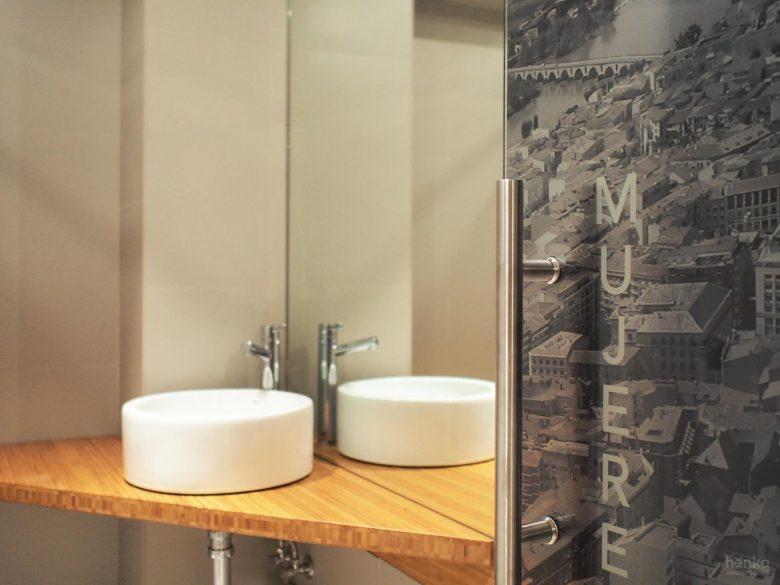 detalle baños Restaurante serafin zamora Henka Arquitectos
